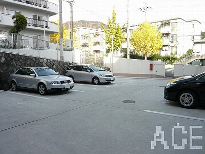 東山アーバンライフ/駐車場 芦屋市東山町のマンション