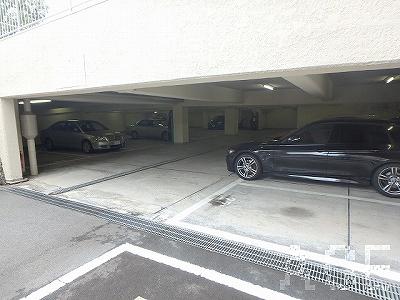 芦屋翠ヶ丘パークマンション/地下駐車場