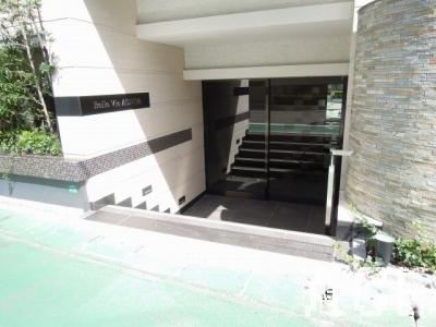 ベルヴィ芦屋/エントランス(西側正面入口)