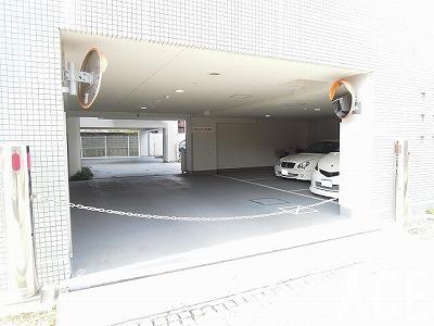 ワコーレ芦屋呉川町/;駐車場 芦屋市のマンション