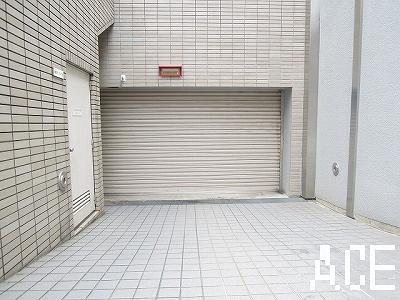 ダイアパレスロイヤル甲櫨園/駐車場入口