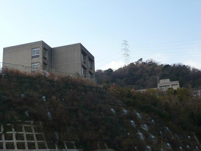 県立甲山高等学校 西宮市鷲林寺字剣谷10